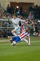 Atletico de Madrid's Jesus Gamez and Real Madrid's Gareth Bale during 2014-15 Spanish King Cup match at Vicente Calderon stadium in Madrid, Spain. January 07, 2015. (ALTERPHOTOS/Luis Fernandez)