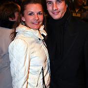NLD/Amsterdam/20081117 - Premiere Oorlogswinter, Aram van der Rest en partner Kim Bruinsma