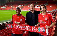 Fotball<br /> England <br /> Foto: Propaganda/Digitalsport<br /> NORWAY ONLY<br /> <br /> Liverpool, England - Friday, July 13, 2007: Liverpool's new signings Yossi Benayoun and Ryan Babel with manager Rafael Benitez at Anfield. Israel international Benayoun joins from West Ham in a four-year deal worth £5m whilst Babel, who starred in the Netherlands Under-21 European Championships victory in June, signs from Ajax for £11.5m.
