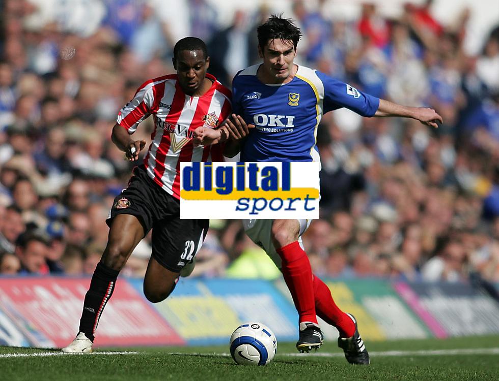 Photo: Lee Earle.<br /> Portsmouth v Sunderland. The Barclays Premiership. 22/04/2006. Sunderland's Justin Hoyte (L) battles with Richard Hughes.