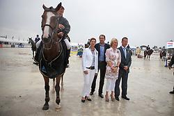 Van Der Schans Wout Jan (NED) - Eurocommerce Sacramento with the organizing committee : Arys Cinthia, Willems Kristine, Vanlaethem Filip, Van Puymbroeck Luk<br /> Winner of the Grand Prix BMW Aalst 2011<br /> © Dirk Caremans