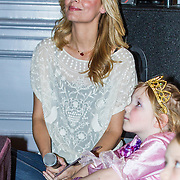 NLD/Baarn/20140423 - Perspresentatie Prinsessia, Froukje de Both en dochter Emma