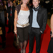 NLD/Rotterdam/20071025 - Premiere Romanza, Holiday on Ice, Olga Commandeur met schaatspartner Stanick Jeannette