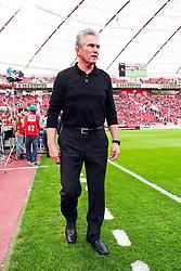 10.04.2011,  BayArena, Leverkusen, GER, 1. FBL, Bayer Leverkusen vs FC St. Pauli, 29. Spieltag, im Bild: Jupp Heynckes (Trainer Leverkusen)   EXPA Pictures © 2011, PhotoCredit: EXPA/ nph/  Mueller       ****** out of GER / SWE / CRO  / BEL ******