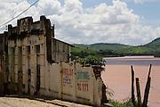 Itapebi_BA, Brasil...Cidade de Itapebi as margens do Rio Jequitinhonha...The Itapebi town next to Jequitinhonha shore...Foto: LEO DRUMOND / NITRO