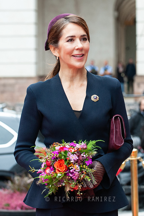 05.10.2021. Copenhagen, Denmark.<br /> Crown Princess Mary's arrival to Christiansborg Palace for attended the opening session of the Danish Parliament (Folketinget).<br /> Photo: © Ricardo Ramirez