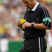 NLD/Rotterdam/20060507 - Finale competitie 2005/2006 Gatorade cup Ajax - PSV, scheidsrechter Pieter Vink