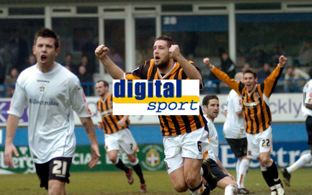 Photo: Leigh Quinnell.<br /> Luton Town v Hull City. Coca Cola Championship. 04/02/2006. Hulls Jon Parkin celebrates scoring Hulls third goal.