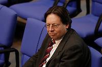 10 MAR 2005, BERLIN/GERMANY:<br /> Ludger Vollmer, MdB, B90/Gruene, Staatsminister a.D., sitzt allein in den Reihen der Fraktion von B90/Gruene, Bundestagsdebatte zur Wirtschafts- und Arbeitsmarktpolitik, Plenum, Deutscher Bundestag<br /> IMAGE: 20050310-01-053
