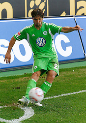 07.05.2011, Volkswagen Arena, Wolfsburg, GER, 1.FBL, VfL Wolfsburg vs 1.FC Kaiserslautern, im Bild Diego (Wolfsburg #28) mit dem Eckstoss .EXPA Pictures © 2011, PhotoCredit: EXPA/ nph/  Schrader       ****** out of GER / SWE / CRO  / BEL ******