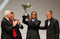 """20091207: RIO DE JANEIRO, BRAZIL - Brazilian Football Awards 2009 (""""Craque Brasileirao 2009""""), held at the Museum of Modern Art in Rio de Janeiro. In picture: Carlos Alberto (Vasco da Gama) receives the trophy of the Brazilian Second League (Serie B), won by Vasco da Gama. PHOTO: CITYFILES"""