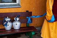 Mongolie, Oulan Bator, Monastere de Gandan (Gandantegchinlen Khiid), theiere pour les moines // Mongolia, Ulan Bator, Gandan monastery (Gandantegchinlen Khiid), teapot for monks
