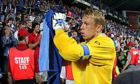 Photo: Paul Thomas.<br /> Estonia v England. UEFA European Championships Qualifying, Group E. 06/06/2007.<br /> <br /> Watford's Estonian captain Mart Poom thanks the crowd.