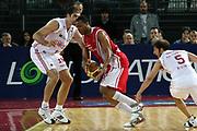 DESCRIZIONE : Roma Lega A1 2006-07 Lottomatica Virtus Roma Whirlpool Varese <br /> GIOCATORE : Howell <br /> SQUADRA : Whirlpool Varese <br /> EVENTO : Campionato Lega A1 2006-2007 <br /> GARA : Lottomatica Virtus Roma Whirlpool Varese <br /> DATA : 25/04/2007 <br /> CATEGORIA : Palleggio <br /> SPORT : Pallacanestro <br /> AUTORE : Agenzia Ciamillo-Castoria/G.Ciamillo