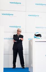 """04.04.2019, Erste Campus, Wien, AUT, Voestalpine, Pressekonferenz zur Präsentation der Siegertropähe der Voestalpine European Races, im Bild Vorstandsvorsitzender der Voestalpine Wolfgang Eder // CEO Wolfgang Eder during an media briefing of the Voestalpine with the presentation of the winners trophy for the """"voestalpine EUROPEAN RACES"""" in Vienna, Austria on 2019/04/04, EXPA Pictures © 2019, PhotoCredit: EXPA/ Michael Gruber"""