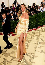 Gisele Bundchen attending the Metropolitan Museum of Art Costume Institute Benefit Gala 2018 in New York, USA. PRESS ASSOCIATION Photo. Picture date: Picture date: Monday May 7, 2018. See PA story SHOWBIZ MET Gala. Photo credit should read: Ian West/PA Wire