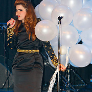 NLD/Amsterdam/20100608 - Uitreiking van de Glammies 2010, optreden van Paloma Faith