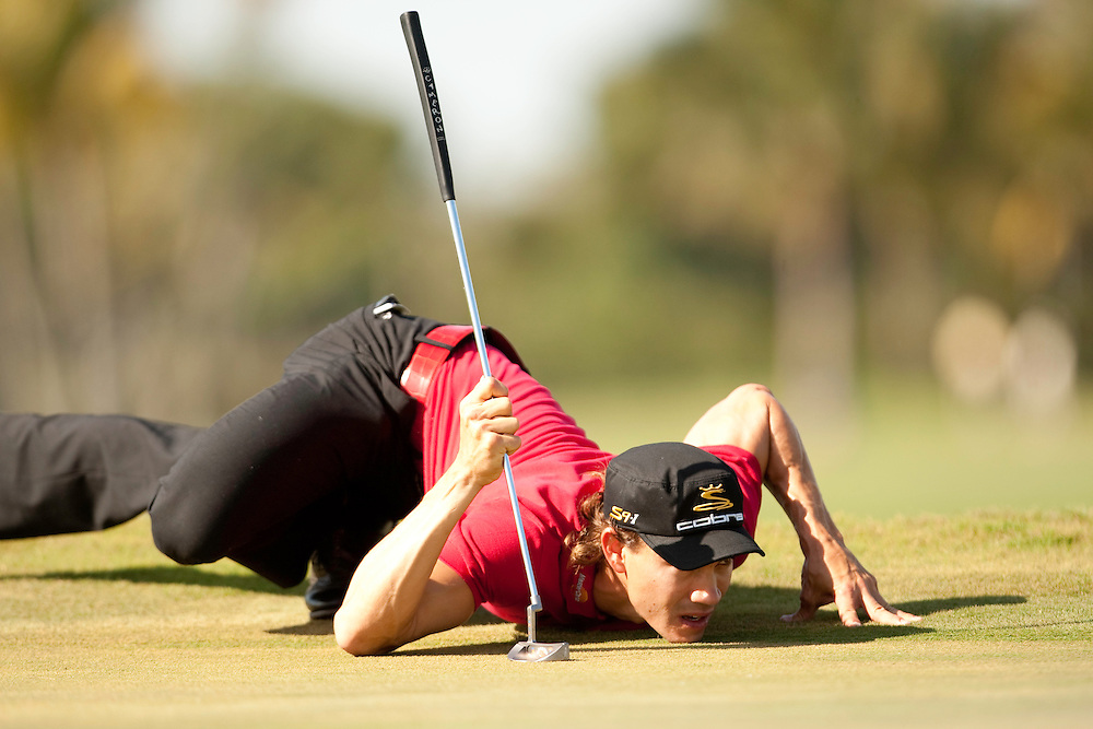 DORAL, FL - MARCH 15:  Camilo Villegas lines up his putt during the fourth round of the 2009 WGC-CA Championship at Doral Golf Resort and Spa in Doral, Florida on Sunday, March 15, 2009. (Photograph by Darren Carroll) *** Local Caption *** Camilo Villegas