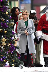 Jodie Sweetin films a Christmas Movie - 14 Oct 2017