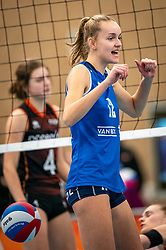 Denise de Kant of Sliedrecht Sport in action during the first league match in the corona lockdown between Talentteam Papendal vs. Sliedrecht Sport on January 09, 2021 in Ede.