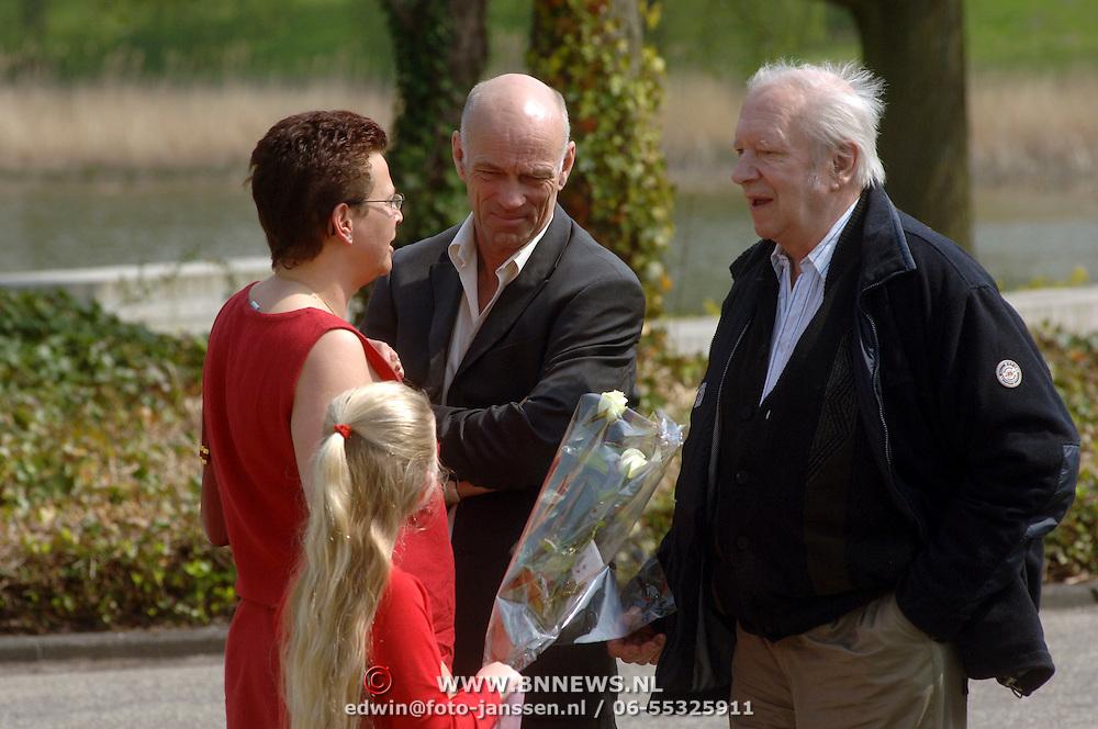 NLD/Amsterdam/20060425 - Uitvaart Sylvia de Leur, Ramses Shaffy