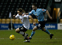 Fotball<br /> England 2004/2005<br /> Foto: SBI/Digitalsport<br /> NORWAY ONLY<br /> <br /> Derby County v Leeds United<br /> Coca Cola Championship. 26/01/2005<br /> <br /> Derby's Tommy Smith (L) attempts to pull free from a challenge from Frazer Richardson