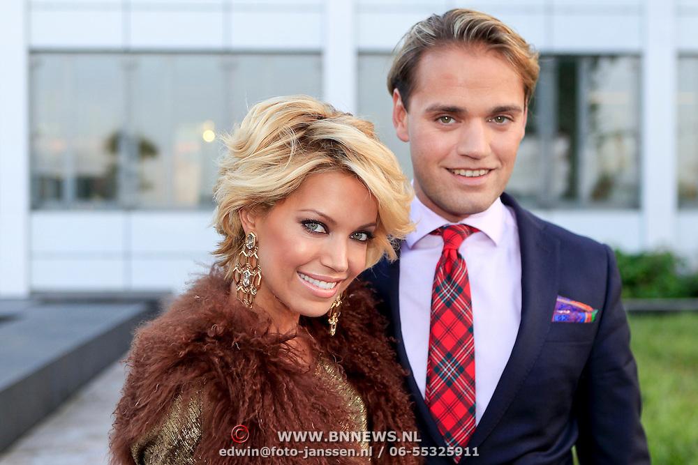 NLD/Vianen/20110915 - Modeshow Mix & Match Dani Bles 2011, Sylvie van der Vaart - Meis en haar broer