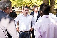 17 JUL 2018, GIFHORN/GERMANY:<br /> Hubertus Heil (M), SPD, Bundesminister fuer Arbeit und Soziales, im Gespraech mit einem Fluechtling, Diakonie Kaesdorf, im Rahmen seiner Sommerreise von Hubertus Heil<br /> IMAGE: 20180717-01-132<br /> KEYWORDS: Käsdorf, Gefluechteter