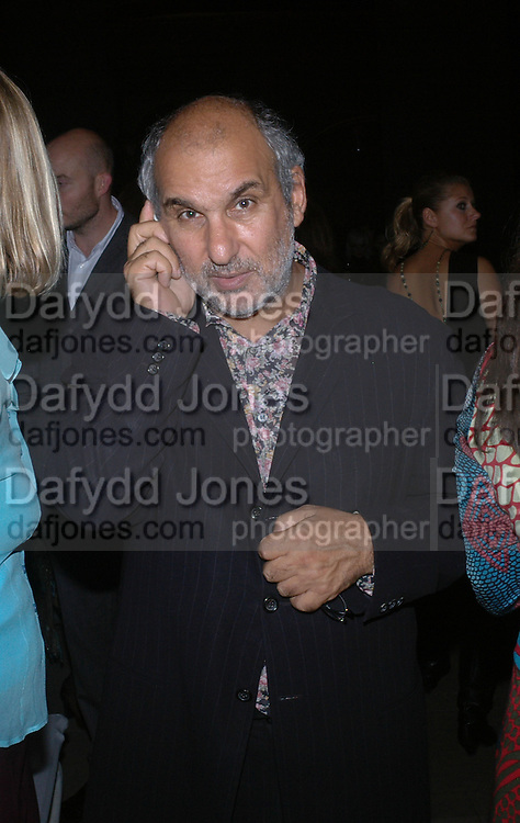 Alan Yentob. Jay Jopling and White Cube host a post Frieze opening party at Sketch. London. 20 October 2005. ONE TIME USE ONLY - DO NOT ARCHIVE © Copyright Photograph by Dafydd Jones 66 Stockwell Park Rd. London SW9 0DA Tel 020 7733 0108 www.dafjones.com