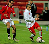 Fotball , 12. oktober 2007 , Landskamp U21 , Norge - Sveits , Reto Ziegler Sveits , Vadim Demidov Norge , Foto: Thomas Andersen , Digitalsport