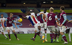 Christian Benteke of Crystal Palace (C) in action - Mandatory by-line: Jack Phillips/JMP - 23/11/2020 - FOOTBALL - Turf Moor - Burnley, England - Burnley v Crystal Palace - English Premier League