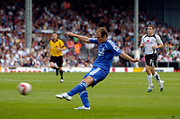 Photo: Daniel Hambury.<br />Fulham v Chelsea. The Barclays Premiership. 23/09/2006.<br />Chelsea's Arjen Robben hits the bar with this effort.