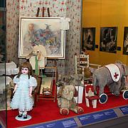 NLD/Apeldoorn/20081101 - Opening tentoonstelling SpeelGoed op paleis Het Loo, speelpoppen en poppenhuis