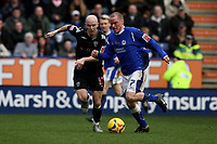 Photo: Pete Lorence.<br />Leicester City v West Bromwich Albion. Coca Cola Championship. 24/02/2007.<br />Iain Hume battles with Richard Chaplow.