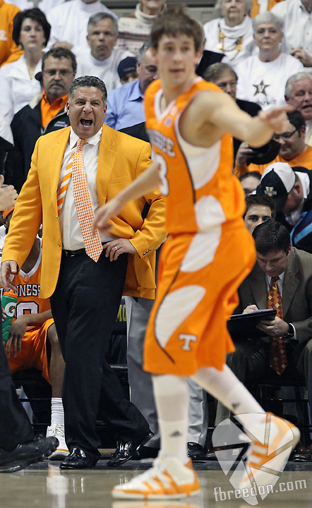 Bruce Pearl yells instructions to his team in the first half of an NCAA college basketball game in Nashville, Tenn., Tuesday, Feb. 9, 2010. (AP Photo/Frederick Breedon)