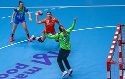 Bo van Wetering of Netherlands, Amra Pandzic of Slovenia in action during the Women's friendly match between Netherlands and Slovenia at De Maaspoort on march 19, 2021 in Den Bosch, Netherlands (Photo by RHF Agency/Ronald Hoogendoorn)