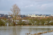 Nederland, Arnhem, 4-2-2013Dit gebied ten zuiden van de rijn, meinerswijk, wordt in de toekomst een groot natuur en recreatiegebied. Op de achtergrond de stad met hogeschool voor de kunsten Artez. Foto: Flip Franssen/Hollandse Hoogte