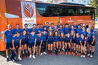 ANTWERP - BELFIUS EUROHOCKEY Championship  . Nederlands team dames en heren bij de Team NL bus. groepsfoto . COPYRIGHT  KOEN SUYK
