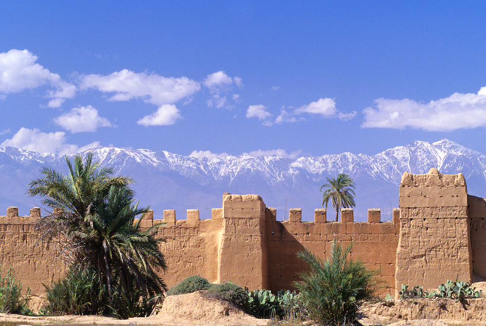 Africa, Morocco, Taroudannt, High Atlas Mountains behind old stone city walls