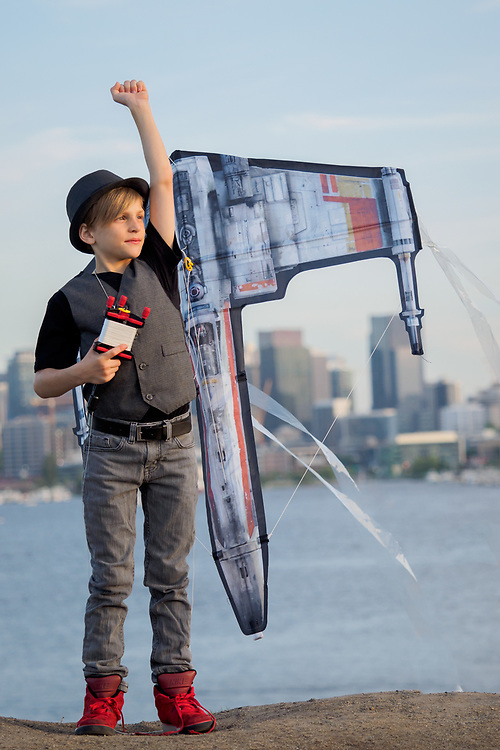 United States, Washington, Seattle, boy flying kite at Gas Works Park MR