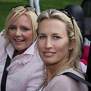 NLD/Amsterdam/20080910 - Beau Monde Rally 2008, Anouk Smulders - Voorveld en vriendin Ghislaine
