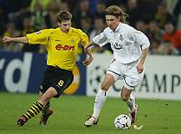 Fotball - UEFA Champions League<br /> 12.03.2003<br /> Borussia Dortmund v Lokmotiv Moskva<br /> Torsten Frings - Dortmund<br /> Wladimir Maminow - Moskva<br /> Foto: Uwe Speck, Digitalsport