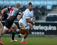 Teddy Thomas of Racing 92 runs in to score the opening Try of the game