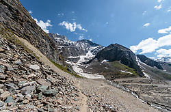 THEMENBILD - Steinlandschaft und das ehemalige Gletschertor am Mooserboden Stausee aufgenommen am 15. Juni 2017, Kaprun, Österreich // Stone landscape and the former glacier gate (that collapes) on Mooserboden Reservoir on 2017/06/15, Kaprun, Austria. EXPA Pictures © 2017, PhotoCredit: EXPA/ JFK