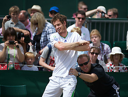 30.06.2011, Wimbledon, London, GBR, ATP World Tour, Wimbledon Tennis Championships, im Bild Andy Murray (GBR) warms-up on a public court during day ten of the Wimbledon Lawn Tennis Championships at the All England Lawn Tennis and Croquet Club. EXPA Pictures © 2011, PhotoCredit: EXPA/ Propaganda/ David Rawcliffe +++++ ATTENTION - OUT OF ENGLAND/UK +++++