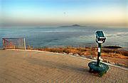 Spanje, Gibraltar, 7-6-2006Uitzicht op de straat van Gibraltar. Op de achtergrond de bergen langs de kust van Marokko. Costa de Luz. Spanje wilt een tunnel, spoortunnel aanleggen tussen Tarifa en Tanger.Foto: Flip Franssen
