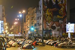 June 22, 2017 - Rabat, Morocco - Moroccan worshipers pray during 28th day of Ramadan, in Rabat city center on Thursday, June 22, 2017, in Rabat, Morocco. (Credit Image: © Artur Widak/NurPhoto via ZUMA Press)