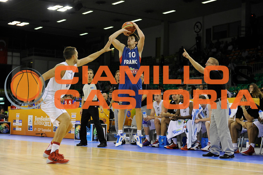 DESCRIZIONE : Lubiana Ljubliana Slovenia Eurobasket Men 2013 Preliminary Round Belgio Francia Belgium France<br /> GIOCATORE : Thomas Herutel<br /> CATEGORIA : tiro shot<br /> SQUADRA : Francia France<br /> EVENTO : Eurobasket Men 2013<br /> GARA : Belgio Francia Belgium France<br /> DATA : 09/09/2013 <br /> SPORT : Pallacanestro <br /> AUTORE : Agenzia Ciamillo-Castoria/H.Bellenger<br /> Galleria : Eurobasket Men 2013<br /> Fotonotizia : Lubiana Ljubliana Slovenia Eurobasket Men 2013 Preliminary Round Belgio Francia Belgium France<br /> Predefinita :