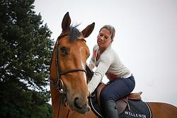 Van Roosbroeck Catherine (BEL) - Castelo Branco<br /> Stal Van Roosbroeck - Itegem 2009<br /> © Hippo Foto-Dirk Caremans
