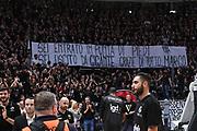 Virtus Segafredo Bologna tifosi, Marco Spissu<br /> Virtus Segafredo Bologna - Banco di Sardegna Dinamo Sassari<br /> Lega Basket Serie A 2017/2018<br /> Bologna, 22/10/2017<br /> Foto M.Ceretti / Ciamillo - Castoria
